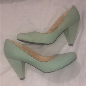 Mint fabric heel